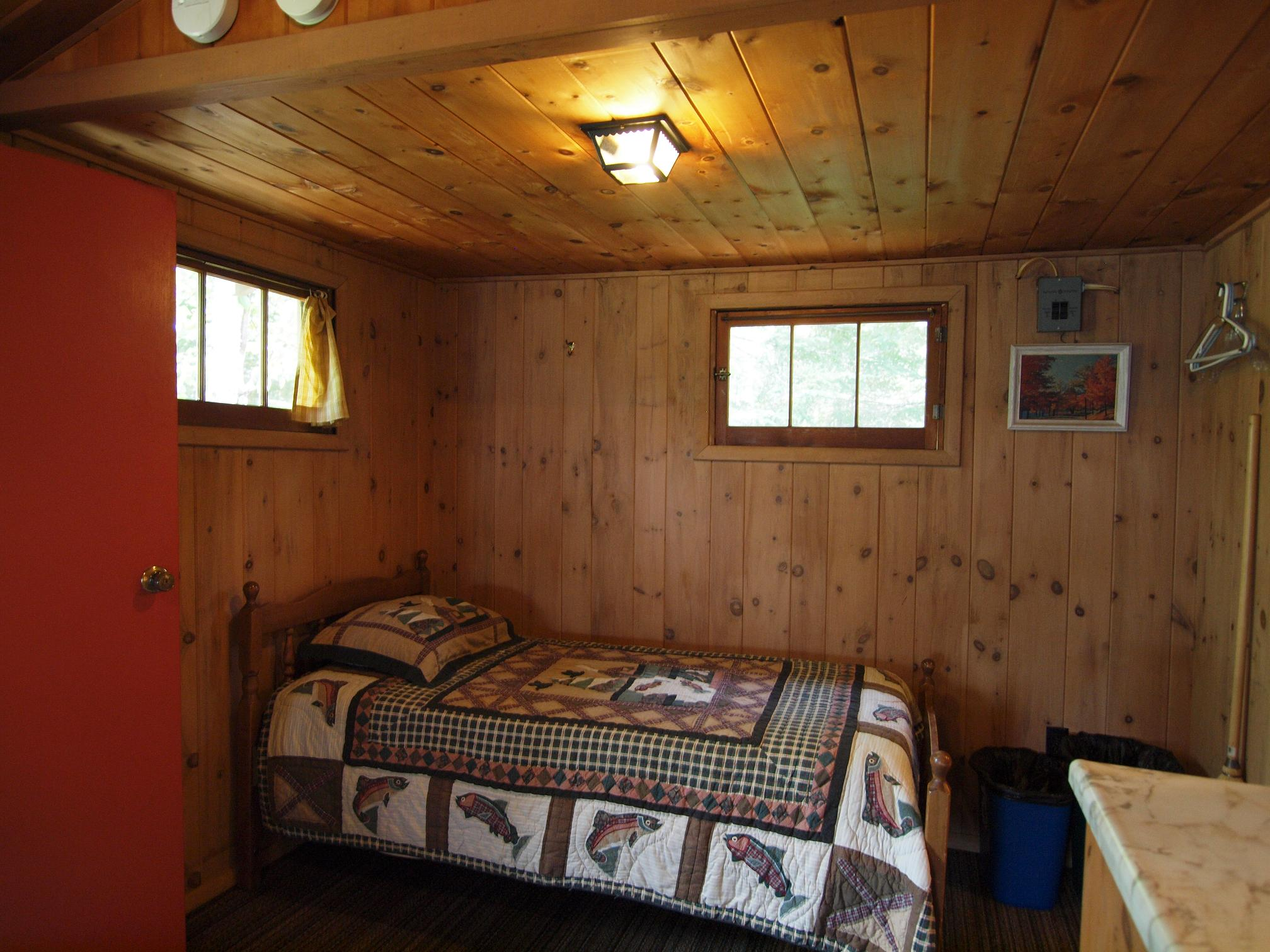 Cabin 4 Twin Bed