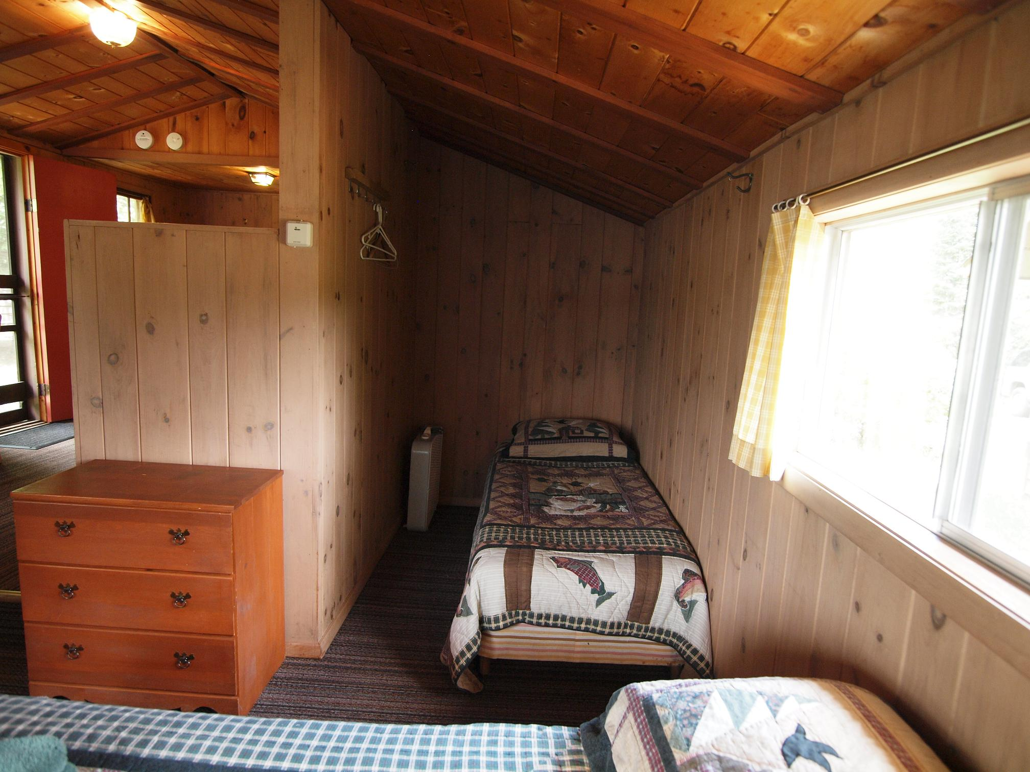 Cabin 4 Twin Bed 2